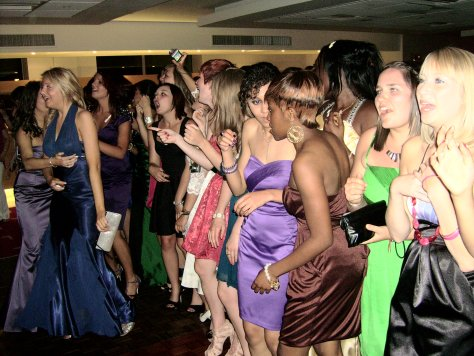 pretty-prom-disco-girls.jpg