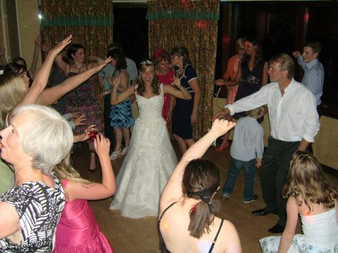 wedding-disco-dancers.jpg