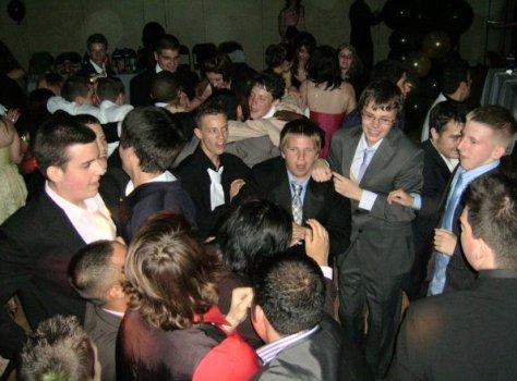chelsea-prom-disco