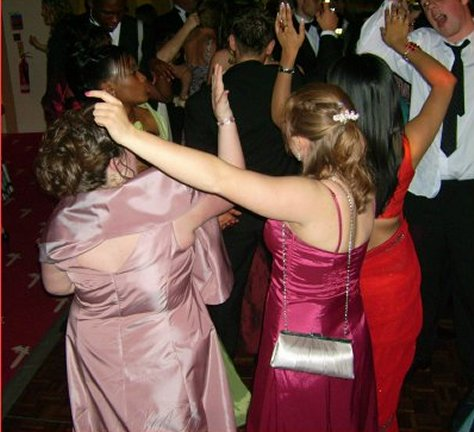prom-night-dancers