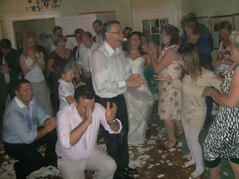 greek wedding plate dance